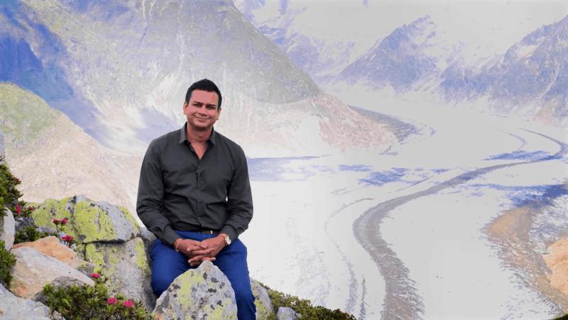 ashok-sitting-on-mountain
